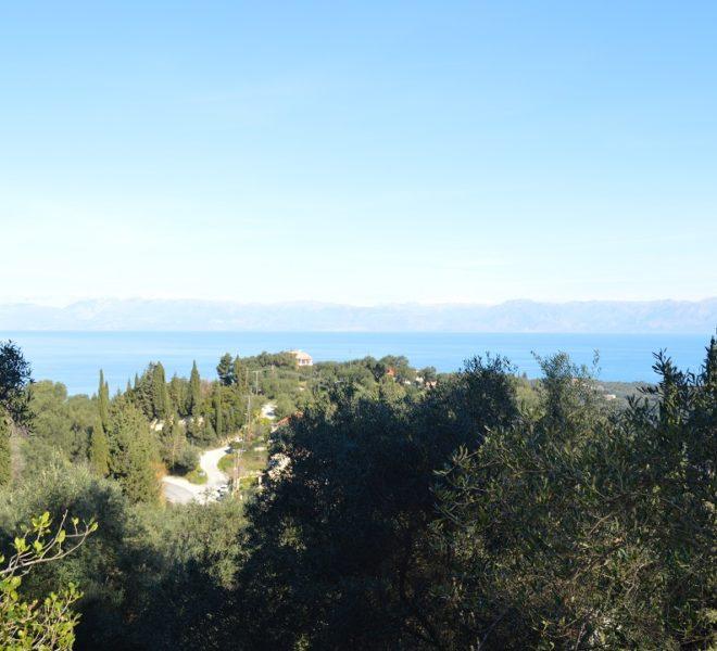 Land 4000m in Karousades Corfu Greece