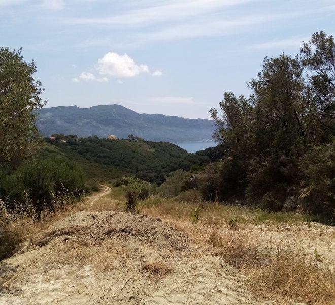 land , amphitheatre of 11.072,66